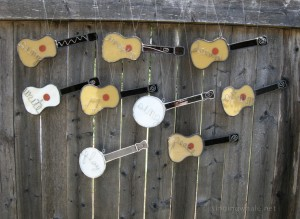 Various guitar and banjo suncatchers with wire words - first group!